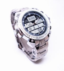 30fps High Defintion 720p Motion Detction Best Video Quality Mini Watch Camera pictures & photos