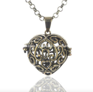 Heart Shaped Stainless Steel Aromatherapy Necklace (AL-02) pictures & photos