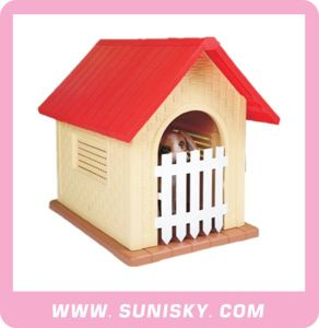 Plastic Outdoor Dog House with Door Eco-Friendly Kennel pictures & photos