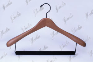 Fashion Clothes Wood Hanger with Velvet Covered Cross Bar Ylwd84660h-Ntl4 for Branded Store, Fashion Model, Show Room pictures & photos
