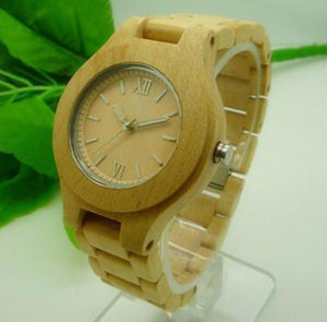 Custom Logo on Wooden Wrist Watch pictures & photos
