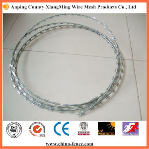 Galvanized Metal Razor Barbed Wire Hot Sale pictures & photos