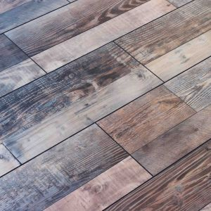 Cheap and High Quality Engineered Laminated Floor pictures & photos