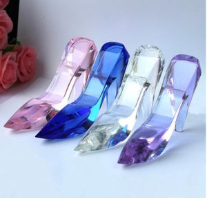 Fashion Crystal Shoes, Glass Craft Shoes for Decoration (KS25108) pictures & photos