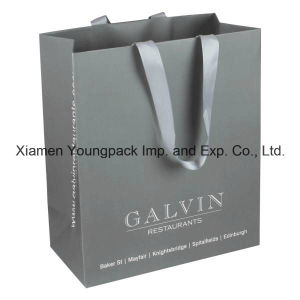 Custom Grey Ribbon Handle Art Paper Packaging Bag for Gift pictures & photos
