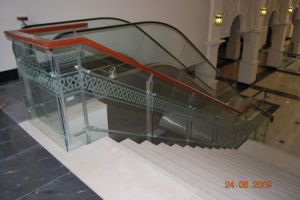 Wood Glass Railing for Interior Staircase pictures & photos