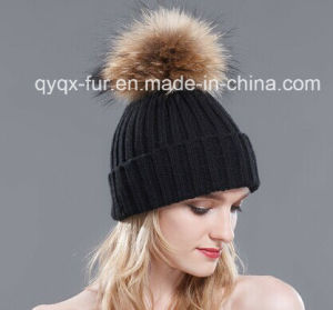 Women Fitted Winter Hat with Large Raccoon Fur POM Poms) pictures & photos