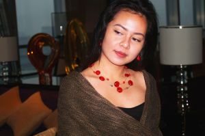 Layers Beads and Chain Necklace and Jewelry Set with Red by Handcraft pictures & photos