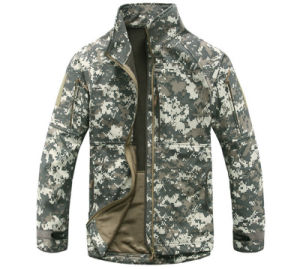 ODM Winter Long Sleeves Soft Waterproof Army Camouflage Men′s Coat pictures & photos