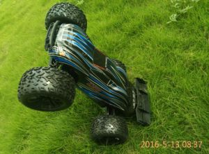 Hot Sale Chinese Cheap 1: 10 Scale RC Car for Fans pictures & photos