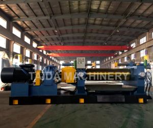 Hardened Gear Automatic Self-Centering Bearing Two Roll Rubber Mixing Mill Machine Xk-400, 450, 560, 610 pictures & photos