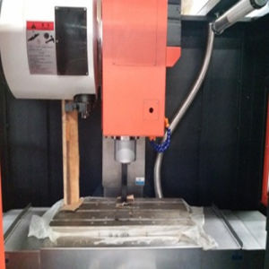CNC Vertical Machining Center (VMC420) pictures & photos
