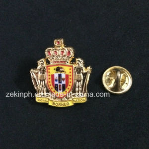 The Metal 3D Crown Souvenir Pin Badge with Soft Enamel pictures & photos