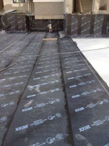 HDPE Self Adhesive Bitumen Waterproof Membrane/Roof Underlayment pictures & photos