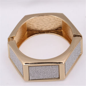 Costume Jewelry Irregularity Shape New Design Gold Bangles
