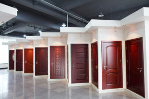 Solid Wooden Door 2016 with High Quality and Manifold Style pictures & photos