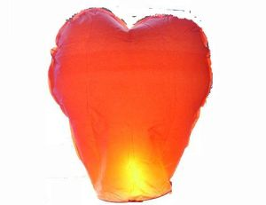 Sky Lantern with 3D Heart Shape pictures & photos