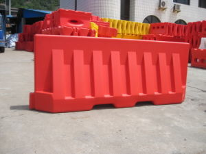 Driveway 2 Meter Blowing Plastic Water Filled New Jersey Road Barrier pictures & photos