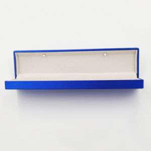 Velvet Plastic Jewelry Bracelet Box with LED Light (J107-D) pictures & photos