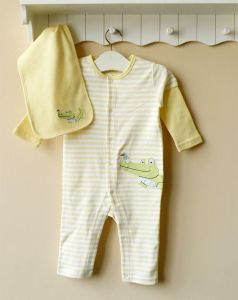 Pretty Long Sleeves Baby Romper with Towel, 100%Cotton Baby Bodysuit Age: 6-24m