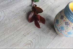 Popular Aged Finishing European Oak Engineered Wood Flooring pictures & photos