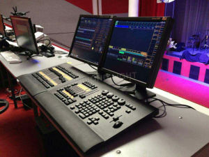 Grand Ma Light Console Command Wing on PC DMX Controller pictures & photos