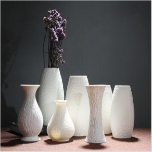 Wholesale Factory Price Various Elegant White Ceramic Porcelain Flower Vase pictures & photos
