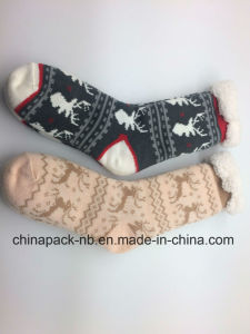 2017 New Cotton Socks Home Socks Plus Cashmere pictures & photos