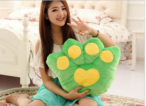 Wholesale Competitive Quaity Bear Cartoon Seat Cushion Pillow pictures & photos