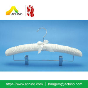 Satin Padded Pant Hanger with Buttons (APH101) pictures & photos