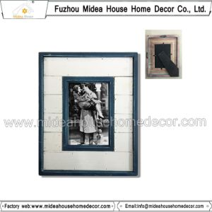 Solid Wood Picture Frame Ornaments pictures & photos