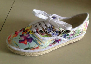 Lady Leather Shoe with Casual and Comfortable Printed Denim Straw pictures & photos