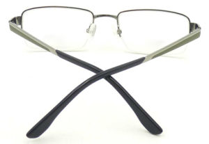 Oi171147 New Design Quality Titanium Material Half Frame Optical Glasses pictures & photos