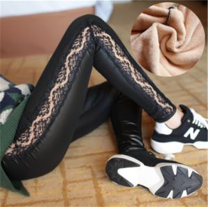Leggings for Women with Fleece PU Leather Lace Splicing P1252 pictures & photos