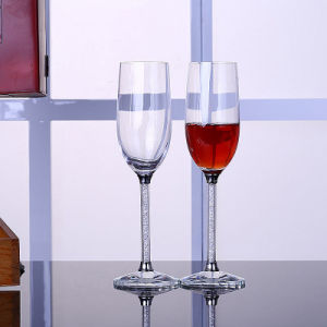 Pair Wedding Crystal Champagne Flutes Personalized Wine and Spirit Glasses pictures & photos