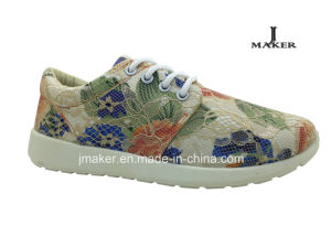 New Design Bud Silk Flowers Injection Shoes Sport Shoe pictures & photos