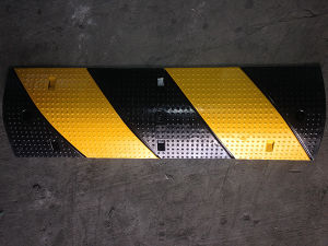 Roadway Safety Rubber Speed Bump (CC-B31) pictures & photos