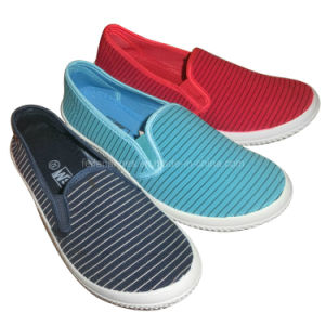 Latest Kids Slip-on Canvas Shoes Injection Skate Shoes (HH1006-18) pictures & photos