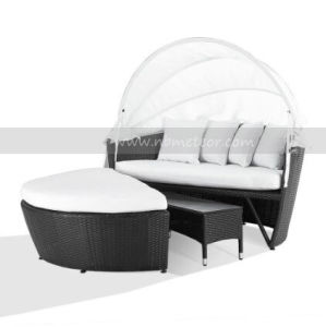 Garden Wicker/Rattan Daybed Outdoor Patio Furniture Lounge with Canopy (MTC-204) pictures & photos