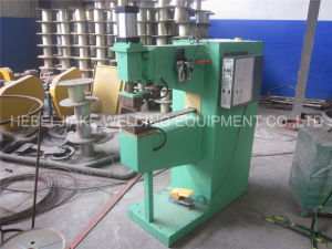 China Wire Mesh Spot Welding Machine pictures & photos