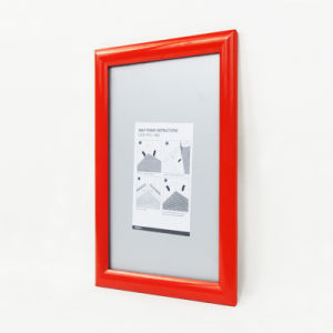 White A4 Poster Board Wall Mounted Poster Frame pictures & photos