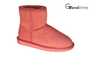 Sheepskin Classic Women′s Snow Mini Boots pictures & photos