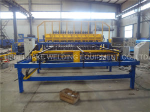 Automatic Mesh Welding Machine for Fence pictures & photos