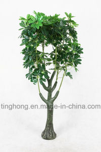 Home Decoration Artificial Tree with 132 Macrocarpa Leaves