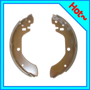 Auto Brake Shoe for Nissan Bluebird 44060-W0325 pictures & photos