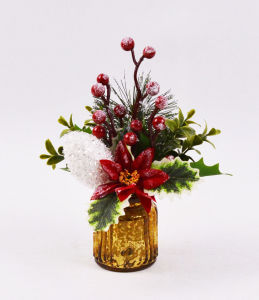 Xmas Flowers with Berry in Glass Vase for Holiday Decoration