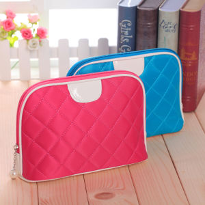 Korean Version of The New Lady Shell Bag Cosmetic Bag Bag Wholesale Cosmetics Lingge Multicolor Optional pictures & photos