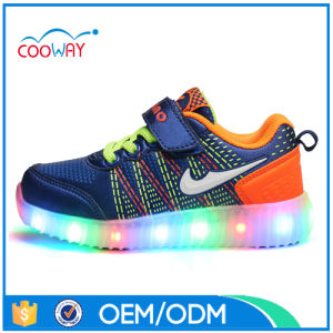 2017 Fashion Flyknit Upper Light up Running Shoes LED Shoes