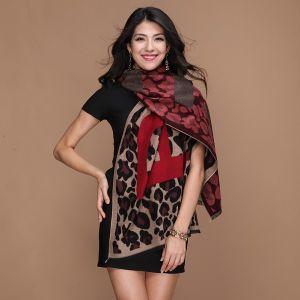 OEM Design Fashion Acrylic Scarf or Cashmere Scarf for Women pictures & photos