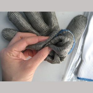 Stainless Steel Double Layer Metal Mesh Cut Resistant Glove for Butchers-2352 pictures & photos